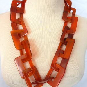 Faux Tort Resin Sqaures Chain Red